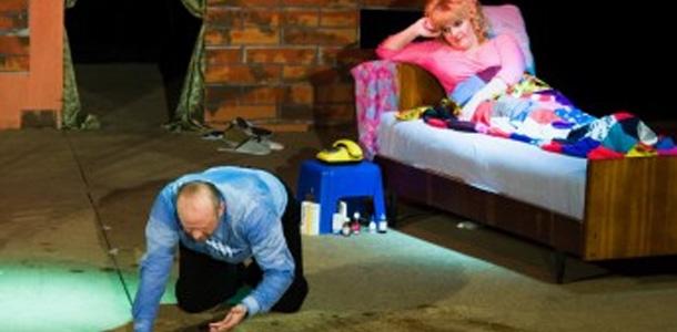 В Гродно состоялась премьера спектакля «Велосипед» экспериментального театра «Бочонок»