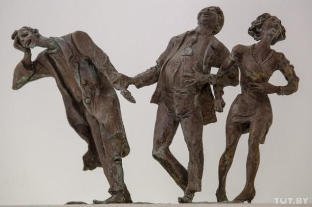 """Эскиз скульптуры """"Смеющиеся""""."""