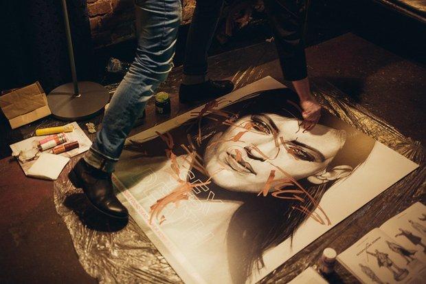 """Картина в картине, которая создается на глазах у зрителей: абсурд на """"Пляске смерти"""""""