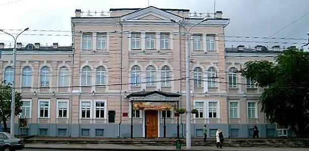 Леон Тарасевич: роспись колонн в Витебском художественном музее, 1995